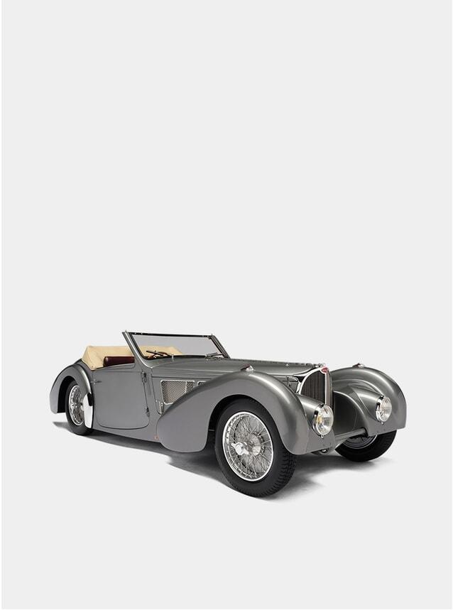 Bugatti Gangloff Type 57 Cabriolet 1:8 Scale Model