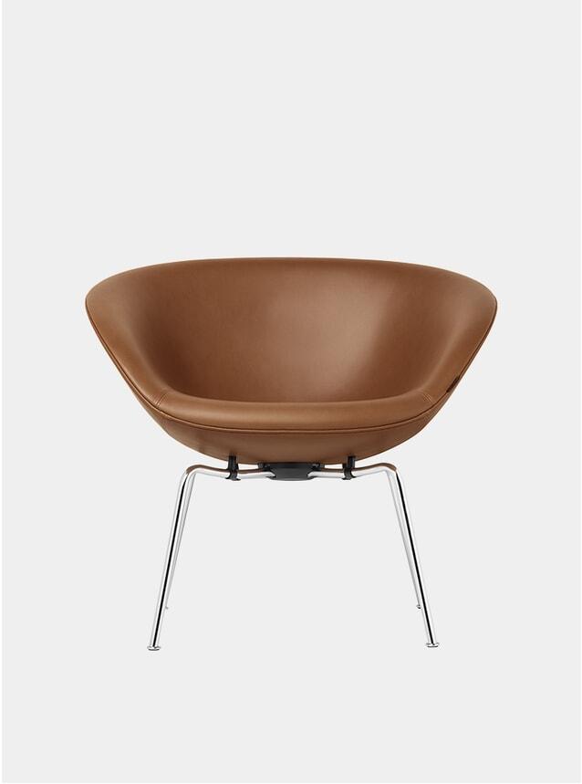 Walnut Grace Leather Pot Chair