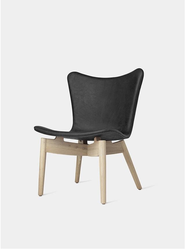 Matt Lacquered Oak Frame / Anthracite Black Shell Lounge Chair