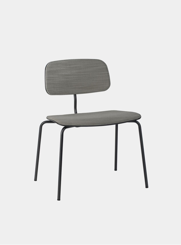 Raas 952 / Black Stained Ash Kevi 2064 Plus Chair